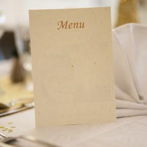 Sollen die Einladungskarten schon zu den Menükarten passen?